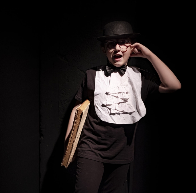 Clan degli Attori - Associazione Culturale - ACTION IN THEATRE Lab actor bimbi dai 6 ai 10 anni - teatro in inglese a cura di Alessandra Zecchetto